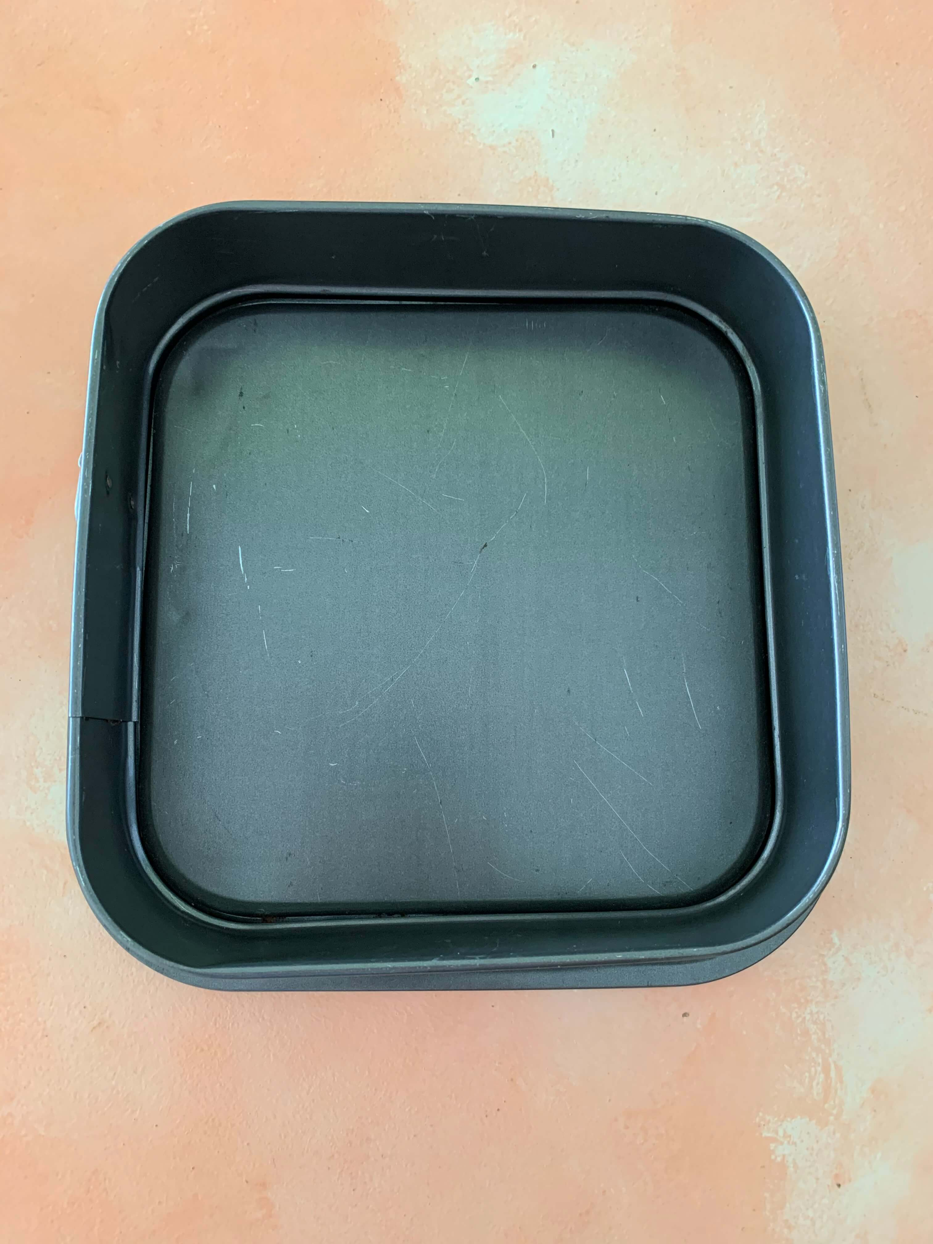 Pre-Loved Non Stick Square Baking Tin